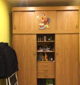 Продам срочно шкаф