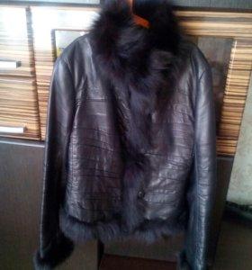 Утепленная кожаная куртка. Размер XXS