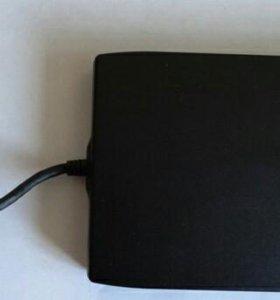 Floppy Drive (флоппи-дисковод)
