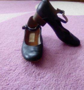 Туфли для народных танцев
