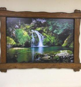 Картина в деревянной раме