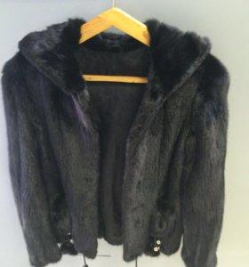 Норковая куртка с капюшоном