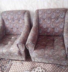 Два кресла за 300