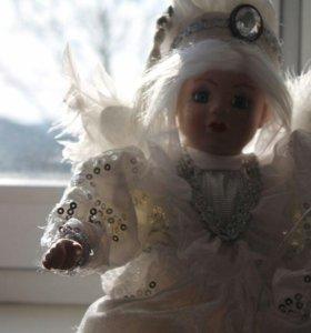 Продам музыкальную куклу