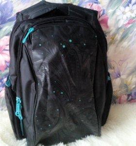 Школьный рюкзак(ортопедический)Возможен торг