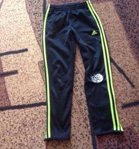 Спортивные штаны на мальчика Adidas