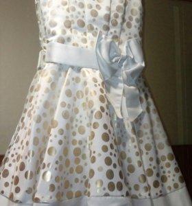Платье праздничное фирменное
