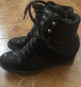 Ботинки 36р-р