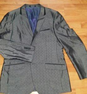Пиджак новый.