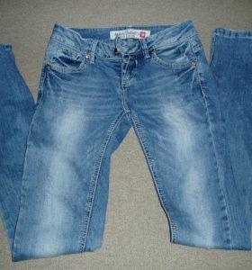 Фирменные джинсы дизель