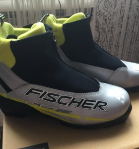 Лыжные ботинки Fischer 37 размер