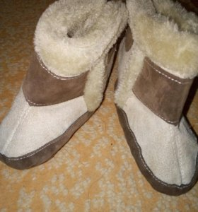 Обувь детская, тёплые.