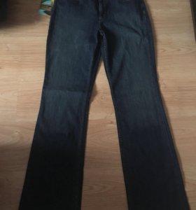 Кто носит расклешенные джинсы!Родные жен.DKNY 👖