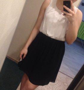 Платье Motivi черно-белое