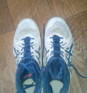 Высокие оригинальные кроссовки asics для волейбола