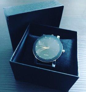 Наручные элегантные мужские часы «QUARTZ»
