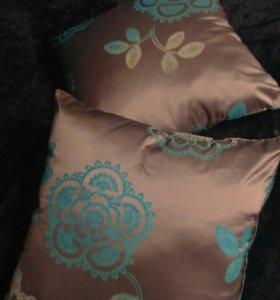 Подушки декоративные на молнии 2 шт(новые)