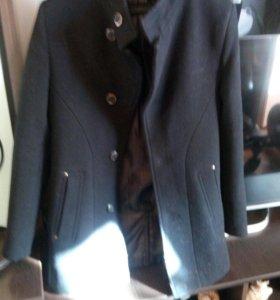 Пальто на парня новое