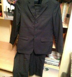 Школьный костюм на 140см