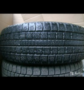 Срочно! Зимние шины липучка Toyo без дисков