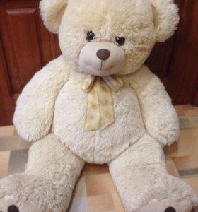 Медведь плюшевый новый