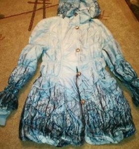 Куртка на девочку 9-12 лет.