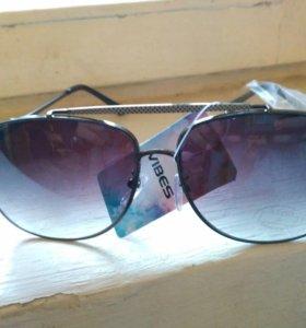 Солнечные очки vibes