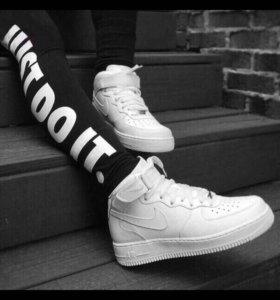 Кроссы Nike Air