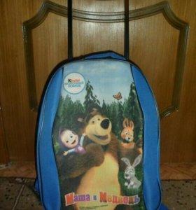Детский чемодан на колесах