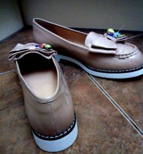 Новые туфли 39 р-р
