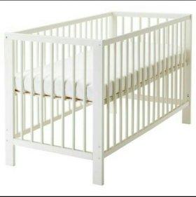 Детская кроватка+2 матраса+бортик в кроватку.
