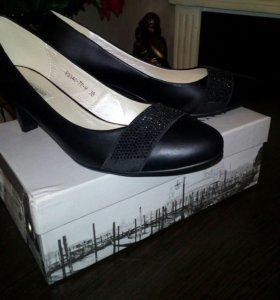 Новые туфли р.38