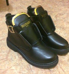 Ботинки новые 35 размер