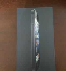 iPhone 5 32gb + 8 чехлов
