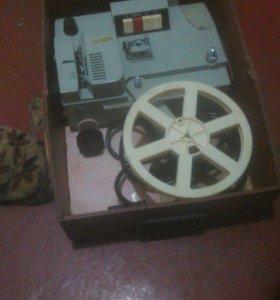 Видео камера и проэктор