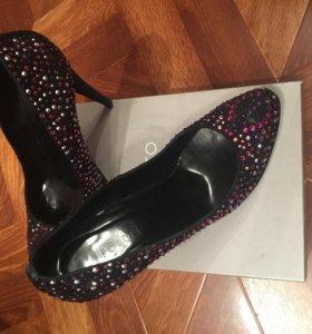 Туфли со стразами своровски