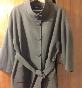Пальто  60 размер кашемир весна/осень
