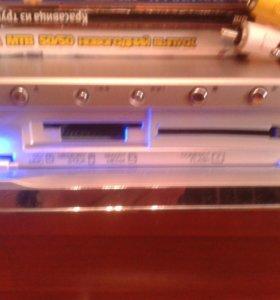 DVD проигрыватель с устройством для карт памяти.