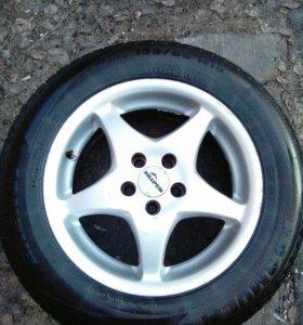 Продам Литые диски на летней резине 195/65/R15