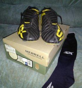 Кроссовки для лапты, футбола