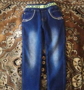 Продам утепленные джинсы для девочки в хорошем сос