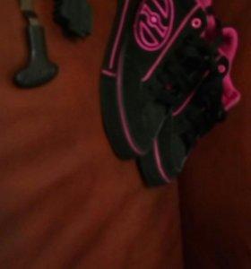 Кроссовки на колесиках р.36