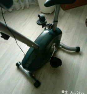 Велотренажер Carbon U704