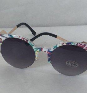 Солнцезащитные женские очки Fendi