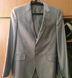 Мужской костюм( пиджак +брюки)