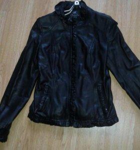 Натуральная кожаная куртка.