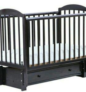 Кровать фирмы Можга
