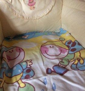 Бортики в кроватку+постельные принадлежности