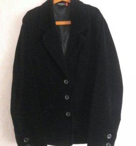 Бархатный пиджак.