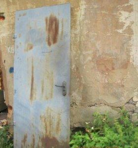 Дверь с коробкой метал